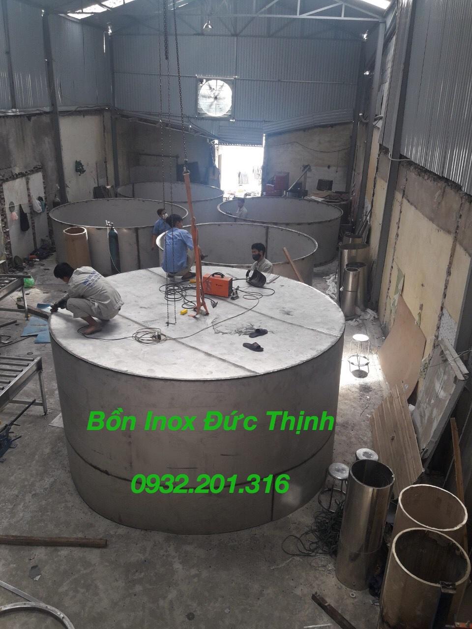 Thi công bồn nước inox Đức Thịnh tại xưởng Đức Thịnh